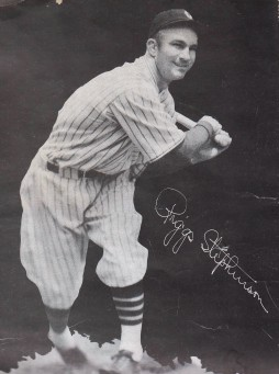 Cubs Team Photos - Riggs Stephenson (1932)