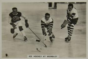 1937 Senior Service Cigarettes Hockey
